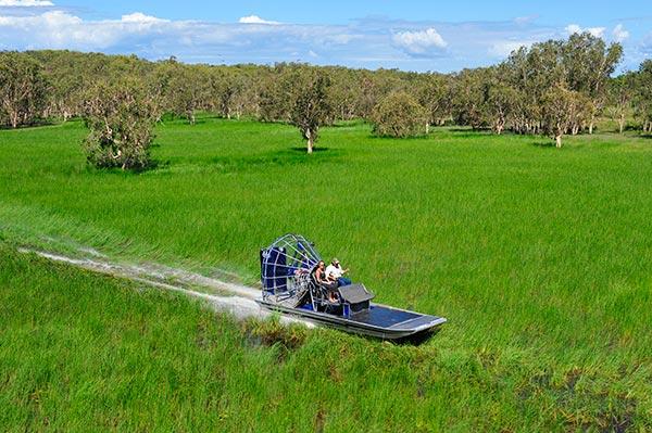 australia-aerodeslizador-en-bamurru-plains