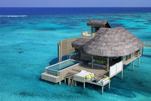 maldivas-palafito-con-piscina-six-senses-laamu
