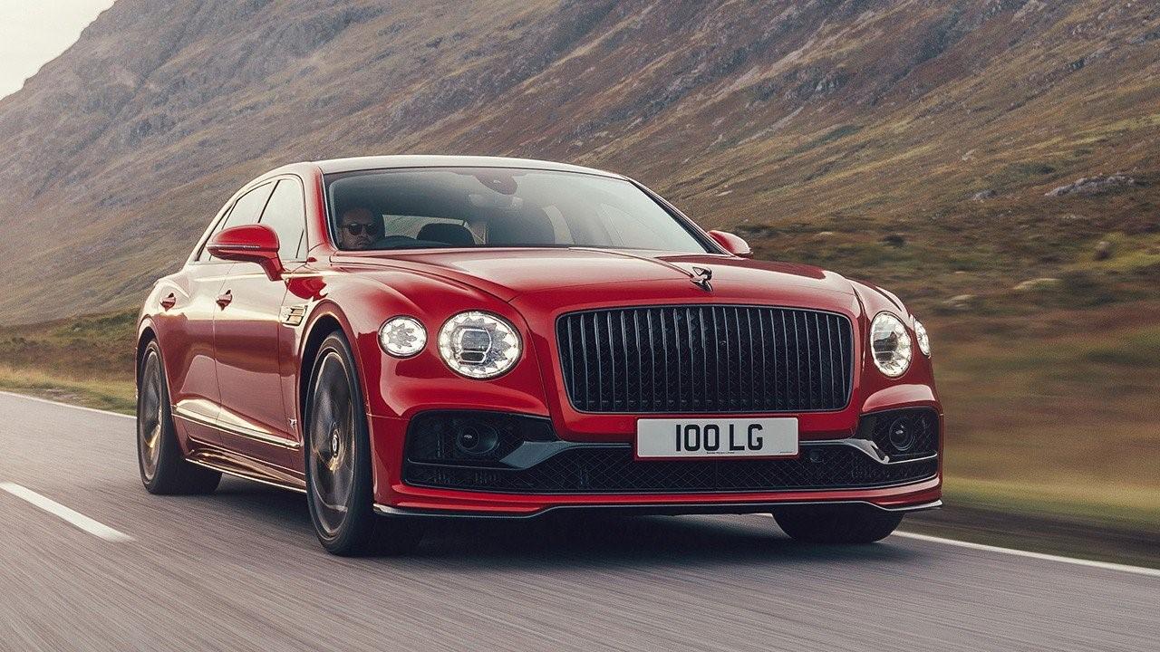 Bentley Flying  Spur V8 motor que alcanza los 550 CV